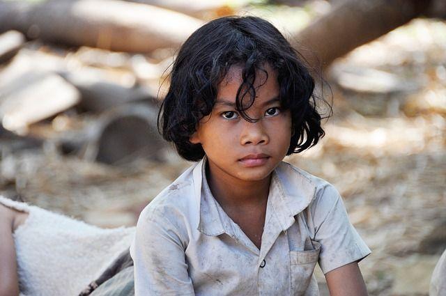 El estrés y la pobreza en la infancia podrían dañar funciones cerebrales en la adultez