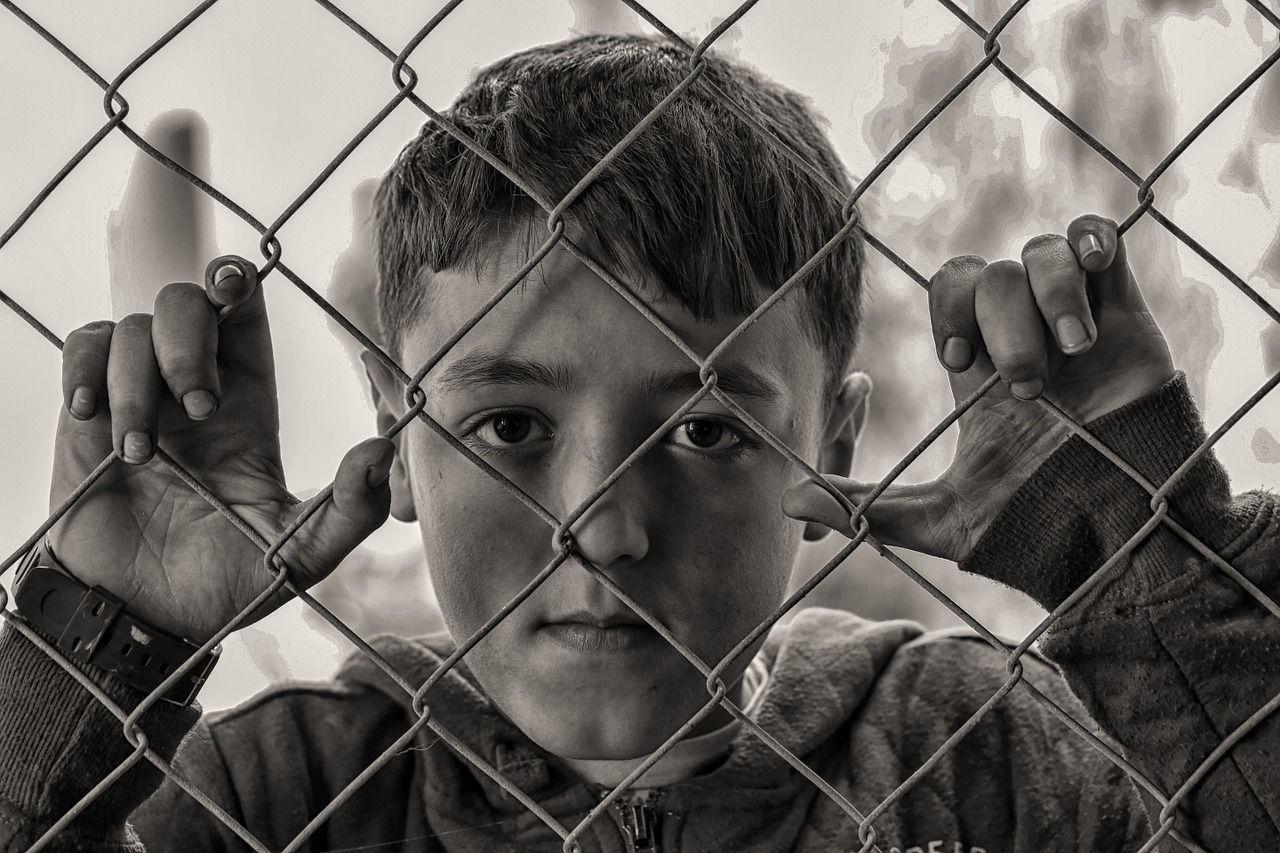 ¿Qué son las experiencias adversas en la infancia y cómo influyen en la salud mental en la adultez?